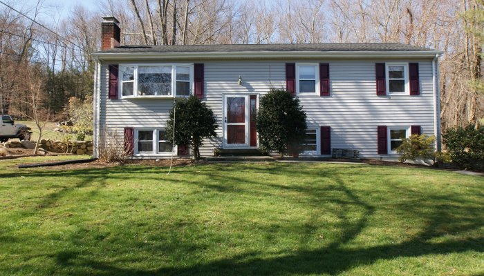 10 Saddle Rock Road, Danbury, CT 06811