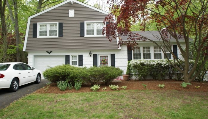 23 Hidden Brook Drive, Stamford, CT 06907