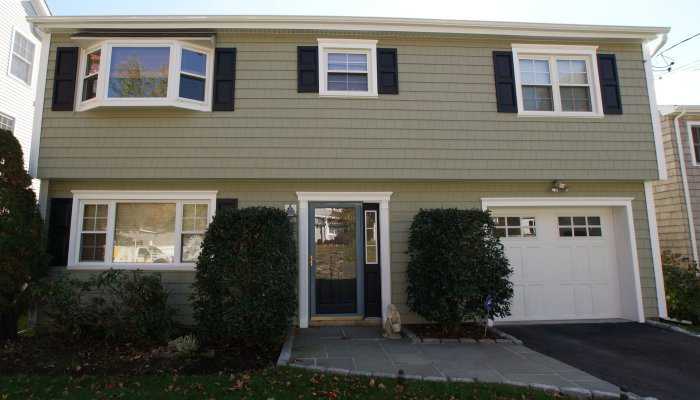 6 Woodbine St, Norwalk, CT 06853